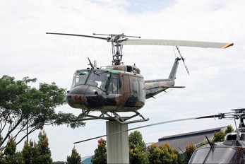 264 - Singapore - Air Force Bell UH-1H Iroquois