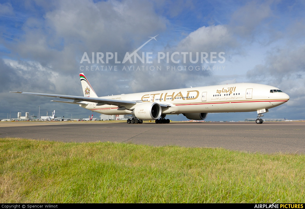 Etihad Airways A6-ETK aircraft at London - Heathrow