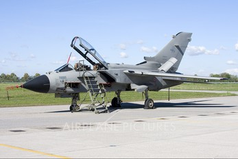 MM7087 - Italy - Air Force Panavia Tornado - IDS