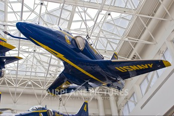 155033 - USA - Navy : Blue Angels Douglas A-4 Skyhawk (all models)
