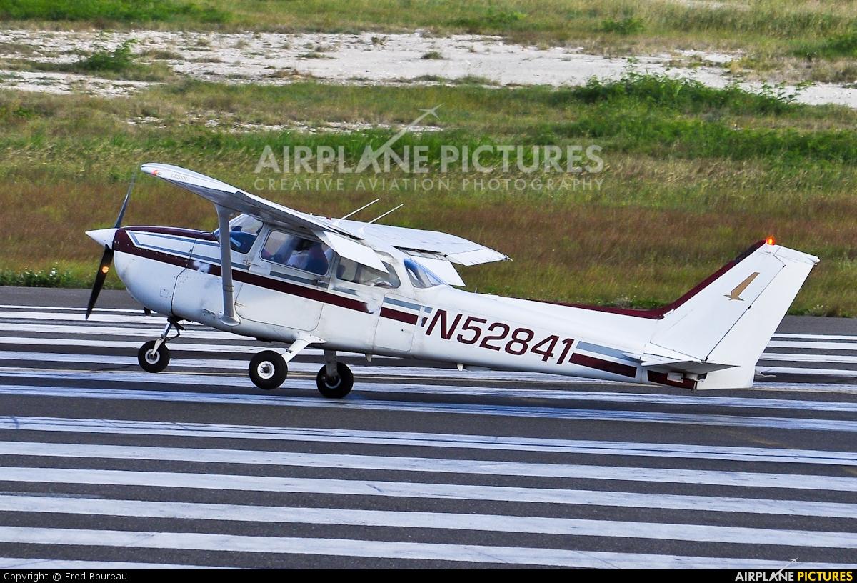 Private N52841 aircraft at Sint Maarten - Princess Juliana Intl