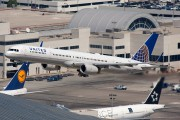 N57855 - United Airlines Boeing 757-300 aircraft