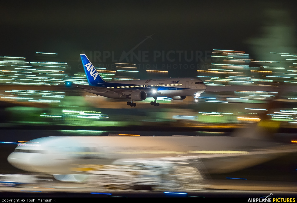 ANA - All Nippon Airways JA603A aircraft at Tokyo - Haneda Intl