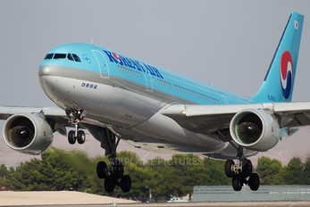 HL8211 - Korean Air Airbus A330-200