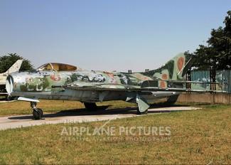 882 - Bulgaria - Air Force Mikoyan-Gurevich MiG-19S