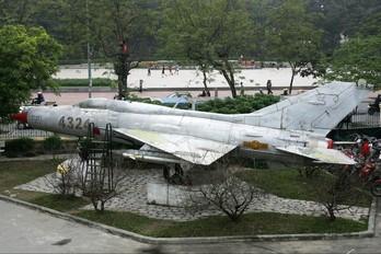4324 - Vietnam - Air Force Mikoyan-Gurevich MiG-21PF