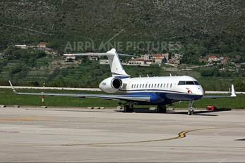 N720WS - Private Bombardier BD-700 Global 5000