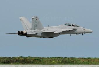 165934 - USA - Navy McDonnell Douglas F/A-18F Super Hornet