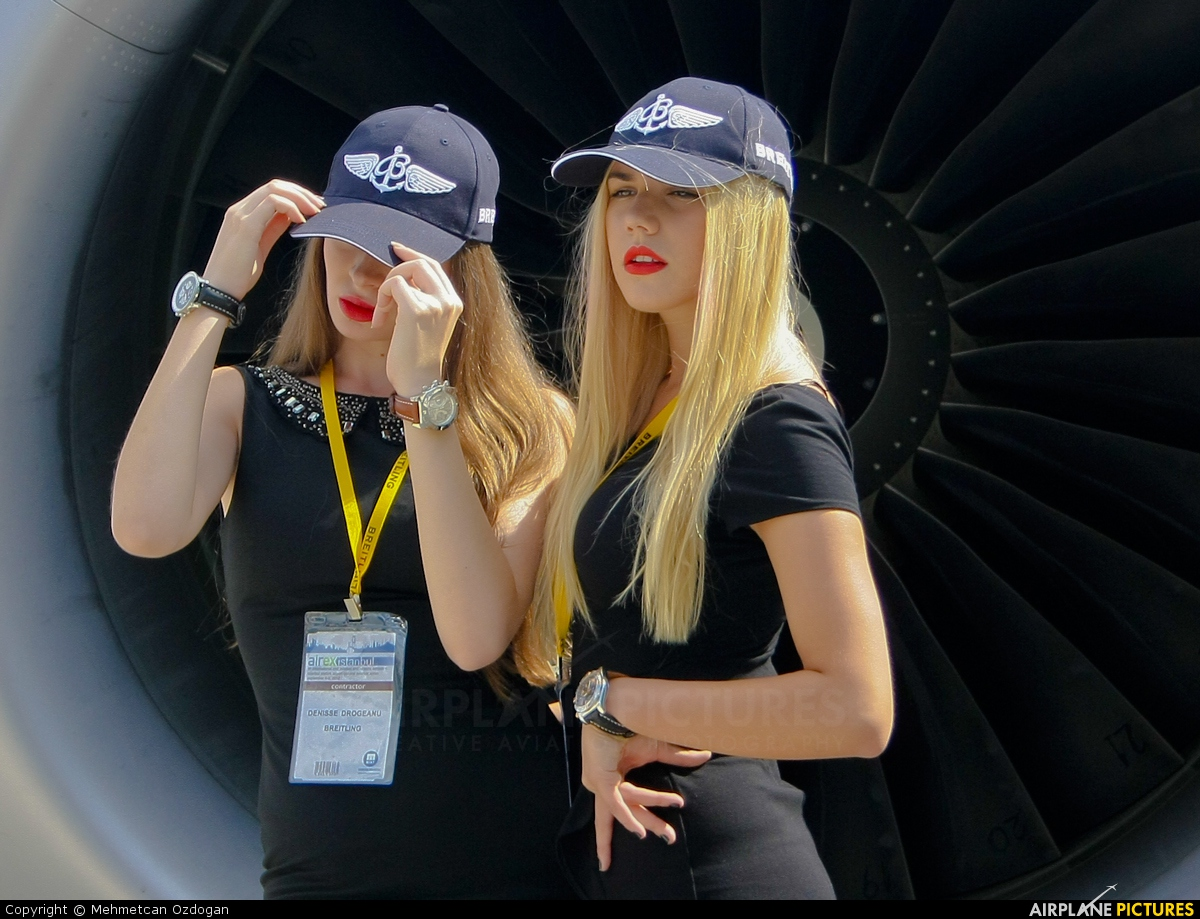 - Aviation Glamour - aircraft at Istanbul - Ataturk