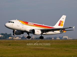 EC-KUB - Iberia Airbus A319