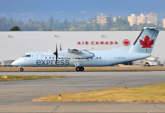 C-GEWQ - Air Canada Express de Havilland Canada DHC-8-300Q Dash 8