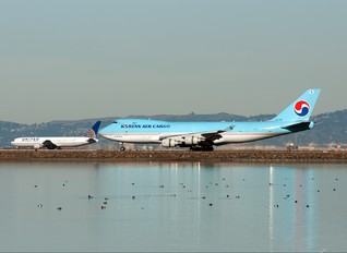 HL7438 - Korean Air Cargo Boeing 747-400F, ERF