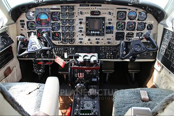 CS-DDU - Omni Aviaçao e Tecnologia Beechcraft 200 King Air
