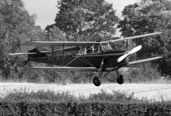 G-ADMT - Private de Havilland DH. 87 Hornet Moth