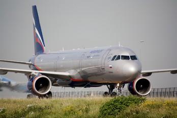 VP-BQT - Aeroflot Airbus A321