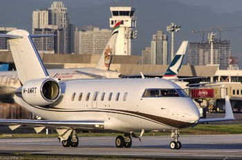 M-AMRT - Private Canadair CL-600 Challenger 605