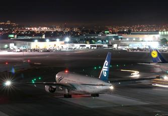 ZK-OKD - Air New Zealand Boeing 777-200ER