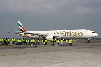 A6-EBK - Emirates Airlines Boeing 777-300ER