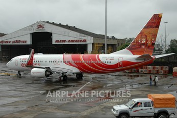 VT-AXM - Air India Express Boeing 737-800