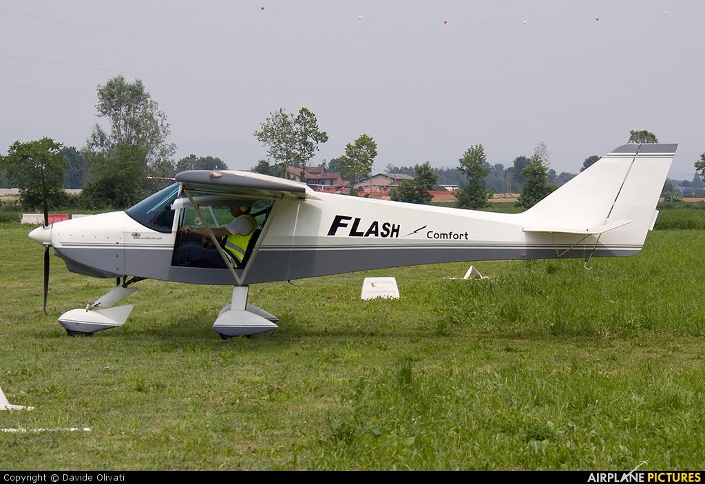 Private I-8987 aircraft at Bergamo - Caravaggio