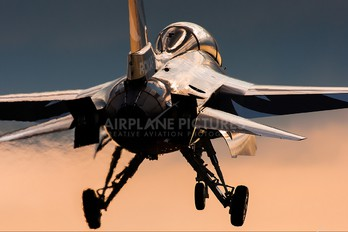 - - Korea (South) - Air Force: Black Eagles Korean Aerospace T-50 Golden Eagle