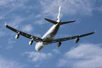 B-HXE - Cathay Pacific Airbus A340-300
