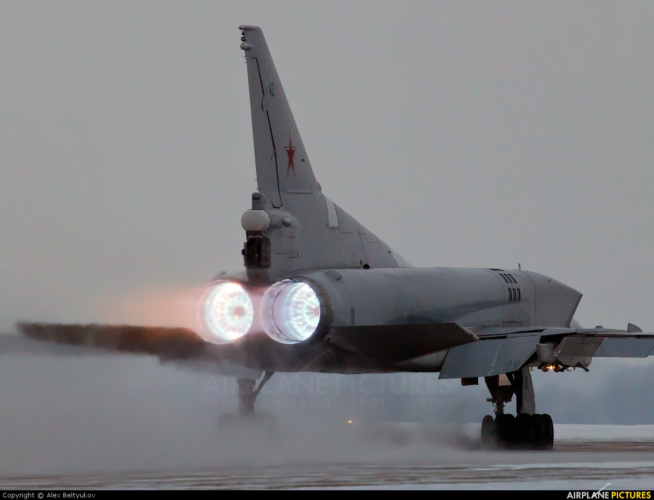 Rússia instala grupo de bombardeiros táticos Tu-22M na Bielorússia