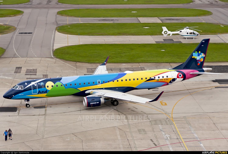 Azul Linhas Aéreas PR-AXH aircraft at Rio de Janeiro - Santos Dumont