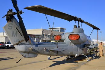 165276 - USA - Marine Corps Bell AH-1W Super Cobra