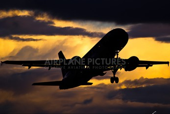 - - Edelweiss Airbus A320
