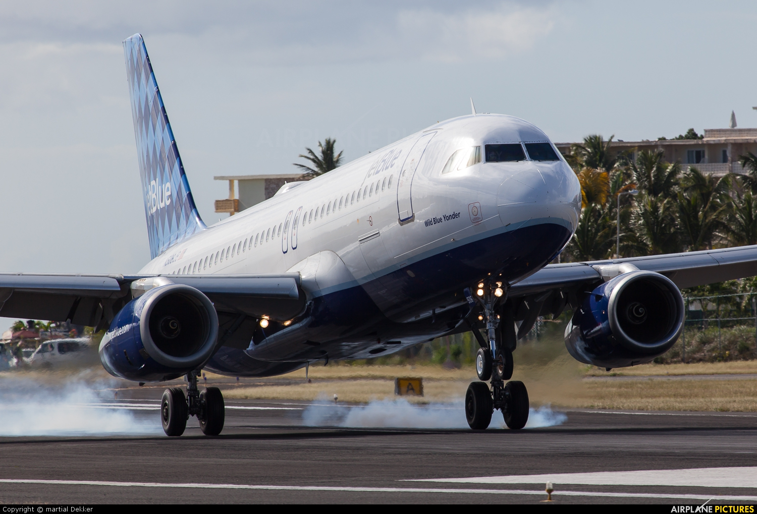 jetblue airways report Jetblue airways remains bullish in its ability to meet cost targets the company set   see related report: jetblue airways regroups after hurricane.