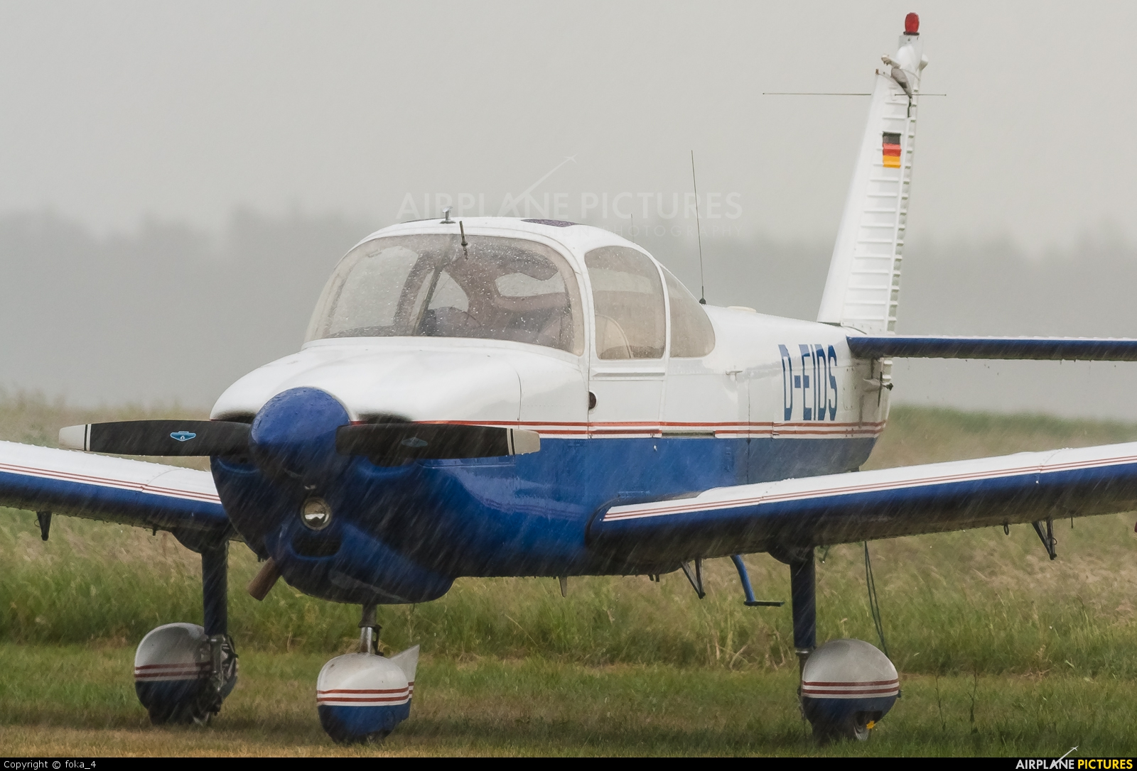 Private D-EIDS aircraft at Marburg-Schönstadt