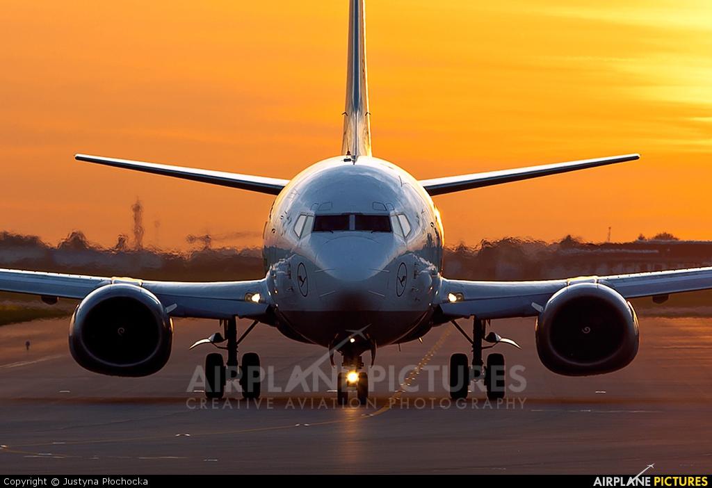 Lufthansa D-ABJB aircraft at Warsaw - Frederic Chopin