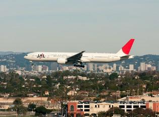 JA738J - JAL - Japan Airlines Boeing 777-300ER