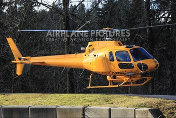 C-FTHZ - Private Aerospatiale AS350 Ecureuil / Squirrel