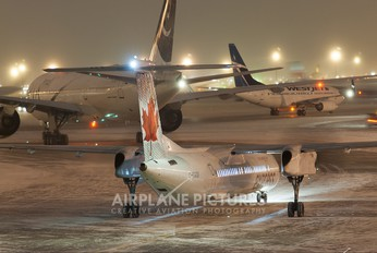 C-GGOY - Air Canada Express de Havilland Canada DHC-8-400Q / Bombardier Q400