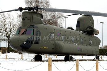 03-08003 - Royal Air Force Boeing CH-47F Chinook