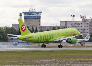 VP-BCP - S7 Airlines Airbus A320