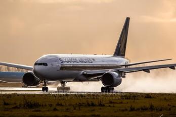 9V-SVO - Singapore Airlines Boeing 777-200ER