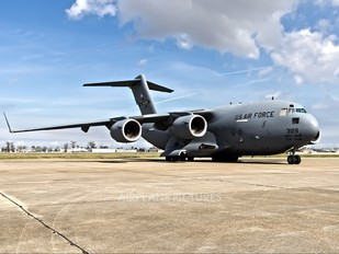 03-3126 - USA - Air Force Boeing C-17A Globemaster III