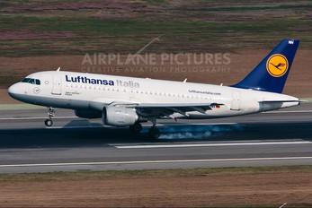 D-AKNH - Lufthansa Italia Airbus A319