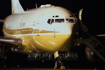 P4-GJC - Private Boeing 737-700 BBJ