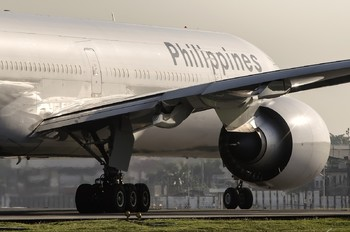 RP-C7775 - Philippines Airlines Boeing 777-300ER