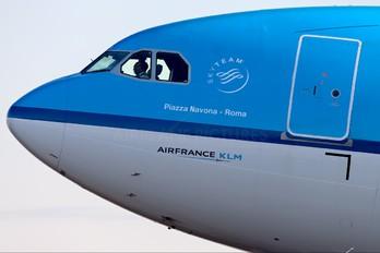 PH-AKB - KLM Airbus A330-300