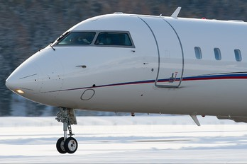 EI-EEZ - Private Canadair CL-600 Challenger 850