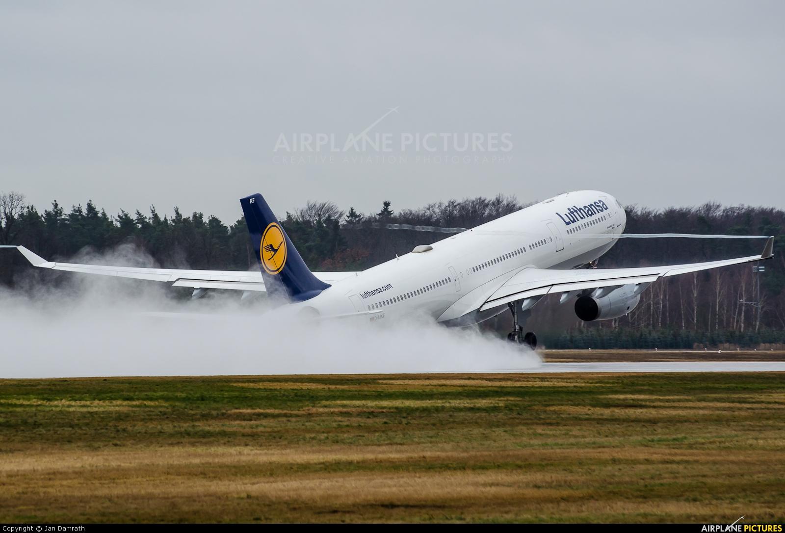 Lufthansa D-AIKF aircraft at Frankfurt