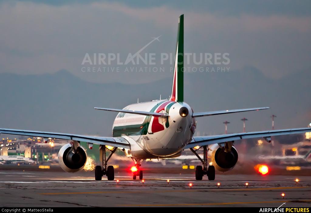 Alitalia EI-DSB aircraft at Milan - Linate