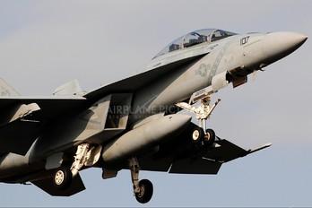166922 - USA - Navy McDonnell Douglas F/A-18D Hornet