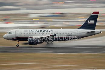 N755US - US Airways Airbus A319