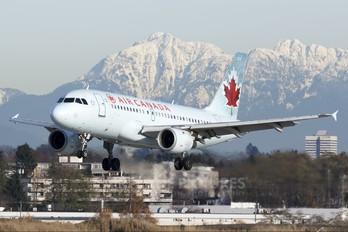 C-GARO - Air Canada Airbus A319